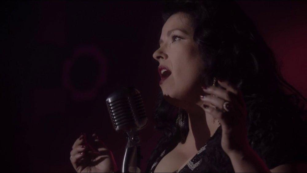 Rebekah Del Rio sings No Stars