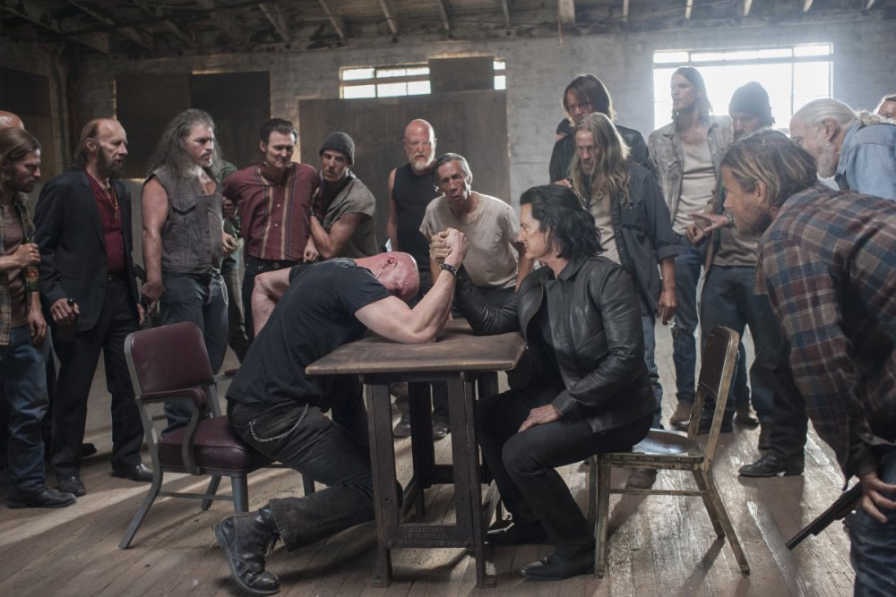 Derek Mears and Kyle MacLachlan in Twin Peaks: the Return
