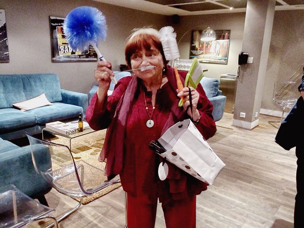 The brooms of Agnès… Varda, who turned 90 in June, with the ten <em>balais</em> given her at BFI Southbank to top up the commemorative 80 she receives at the end of 2008's The Beaches of Agnès
