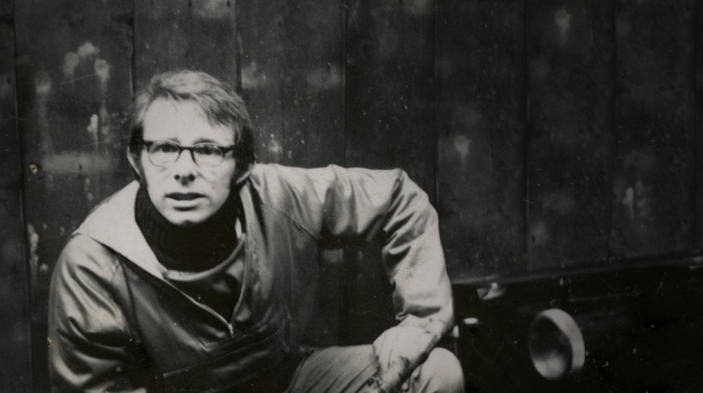 "passion ambition and the transition to adulthood in kes a film by ken loach Interface-8-2-full-pdfpdf uploaded by tias bradbury ken loach also touched her leg when he came to shoot ""tierra y libertad because we had planned."