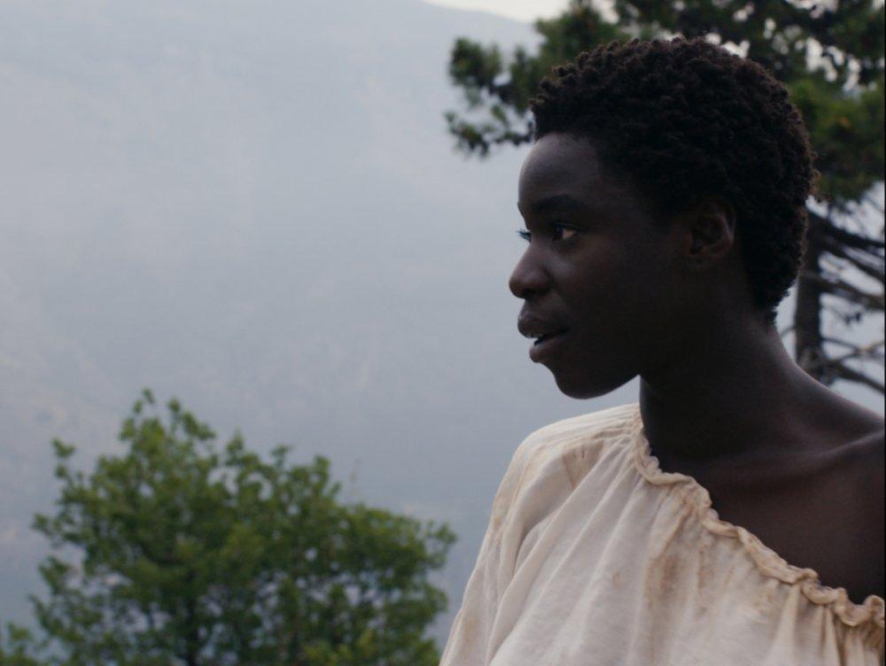 Grace Seri as Marianne