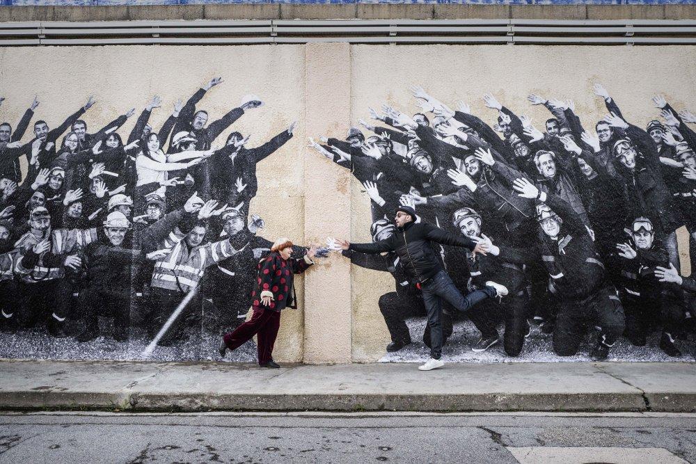 Co-directors Agnès Varda and JR meet halfway in Visages Villages (Faces Places)