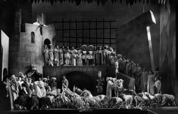 Welles's 1936 adaptation of William Shakespeare's Macbeth