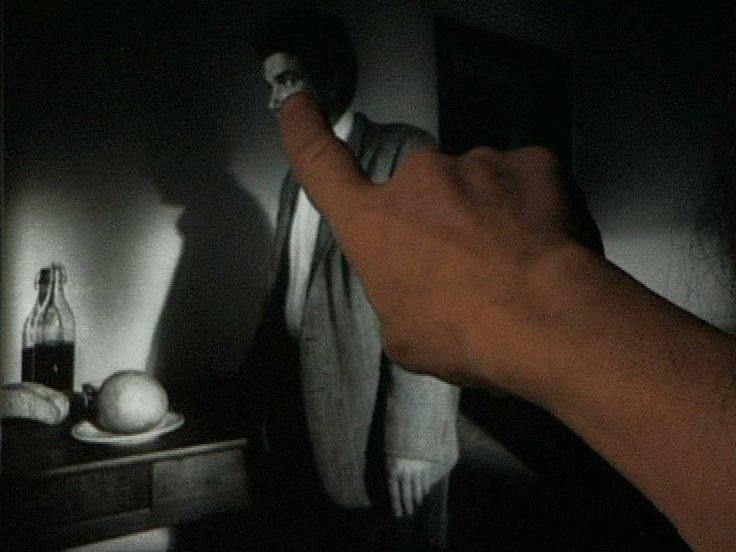 Danièle Huillet's finger in Pedro Costa's Where Does Your Hidden Smile Lie? (Où gît votre sourire enfoui?, 2001)