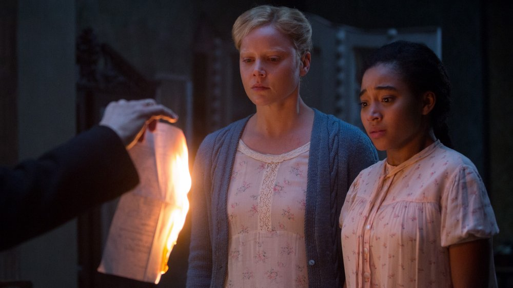 Abbie Cornish as Lenaa's mother with Stenberg