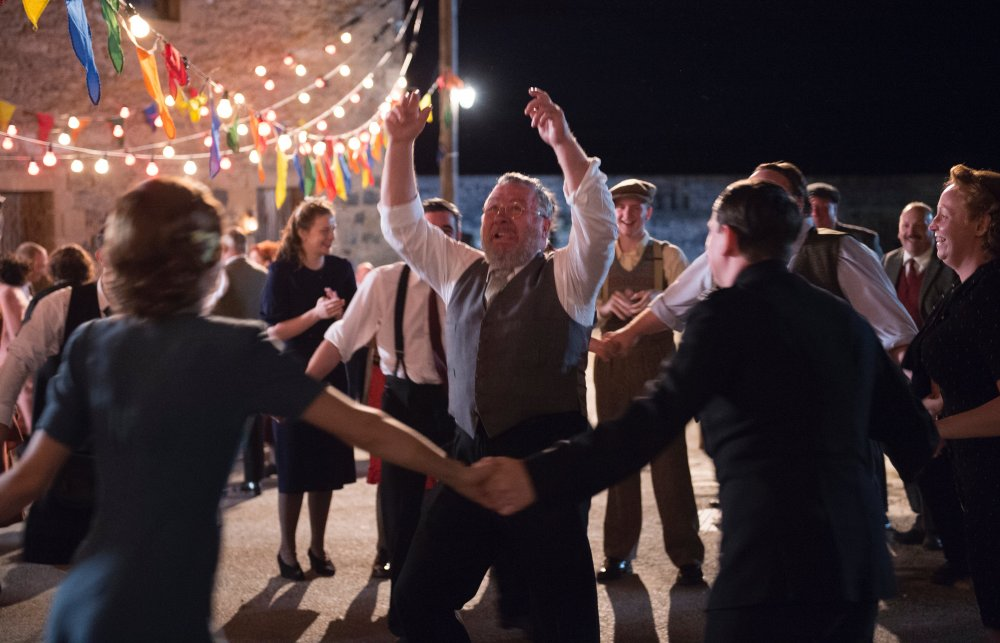 Gillies MacKinnon's remake of the Ealing comedy classic Whisky Galore, Edinburgh International Film Festival's closing-night film