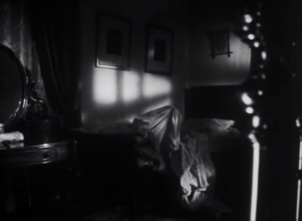 The ghostly bed sheet in the 1968 version