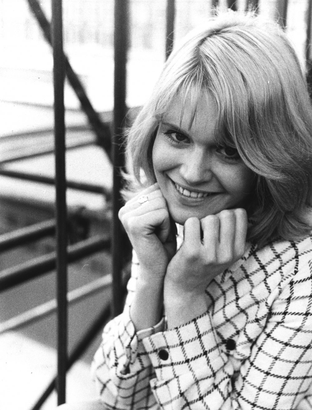 Carol White on location with Cathy Come Home (1966)