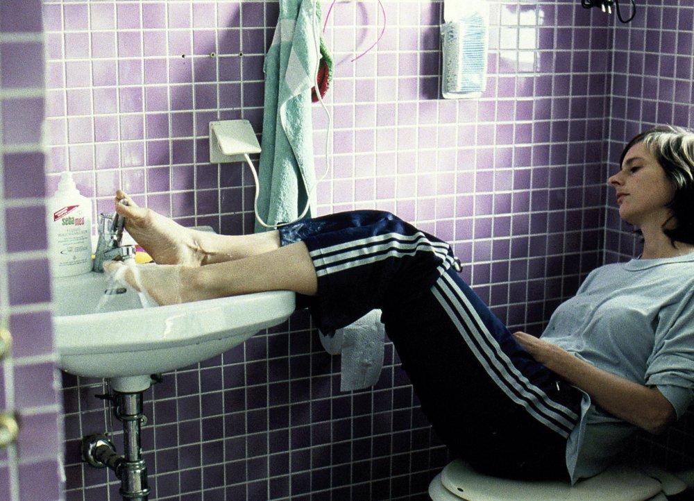 Isabelle Menke as Nina in Windows on Monday (Montag kommen die Fenster, 2006)