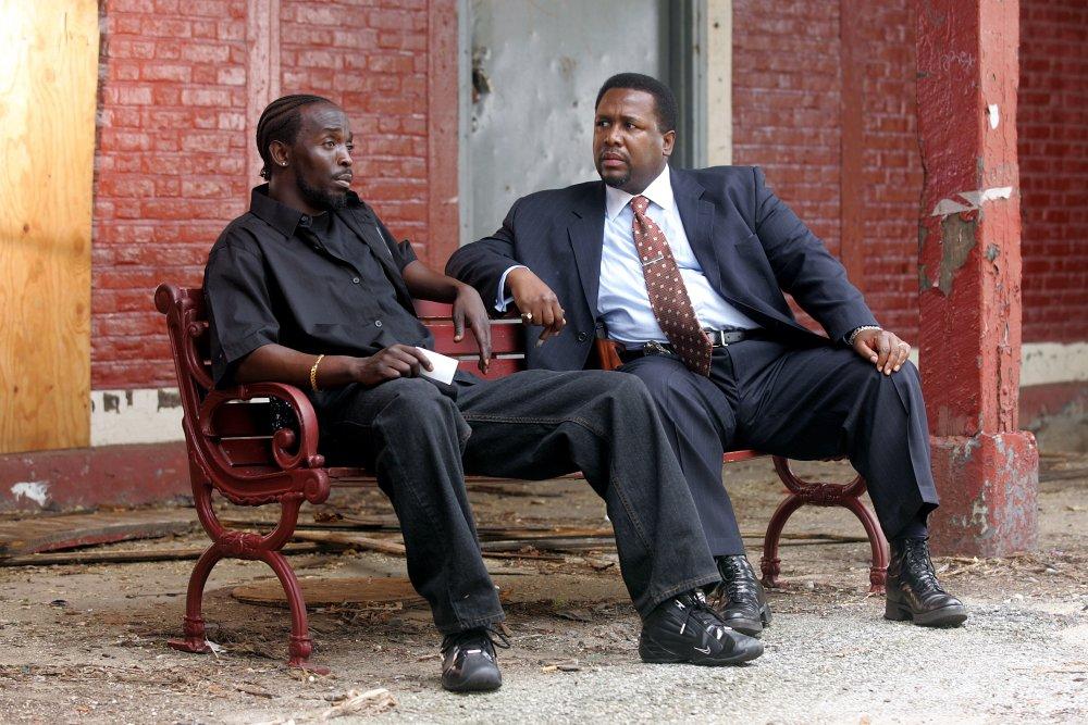 Stash thief Omar (Michael K. Williams) with Bunk