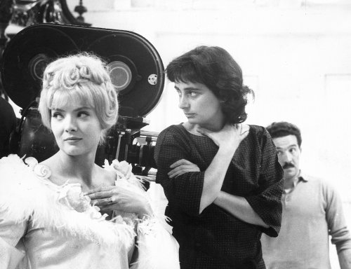 Agnès Varda (right) with Corinne Marchand on the set of Cléo from 5 to 7 (1962)