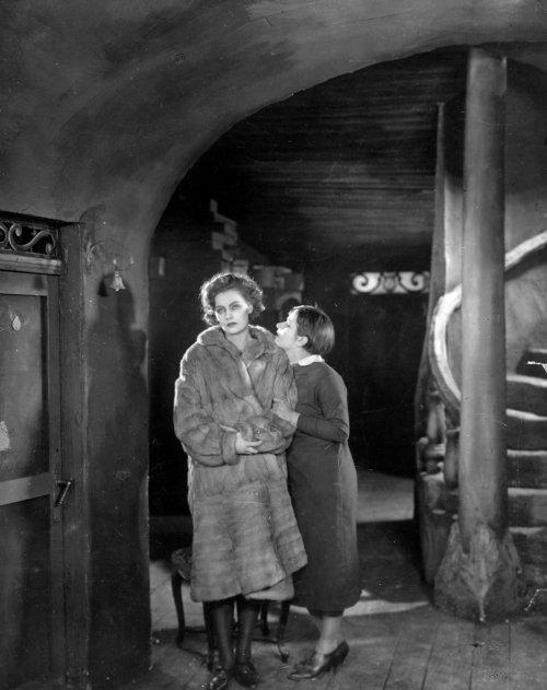 The Joyless Street (1925)