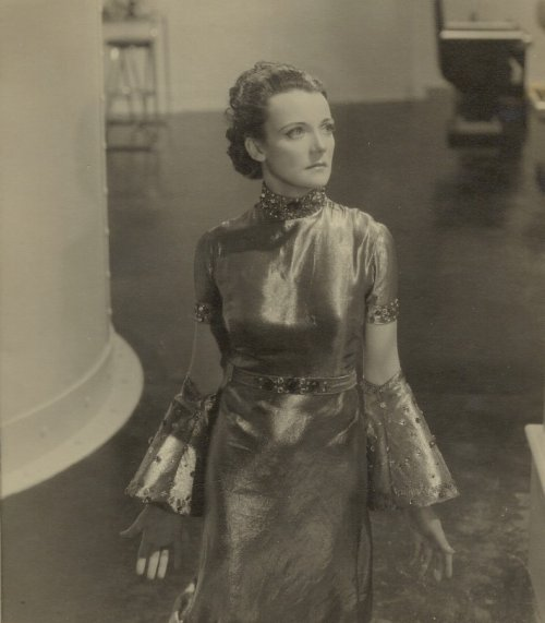 Moyna Vawser in The Man behind the Mask (1936)
