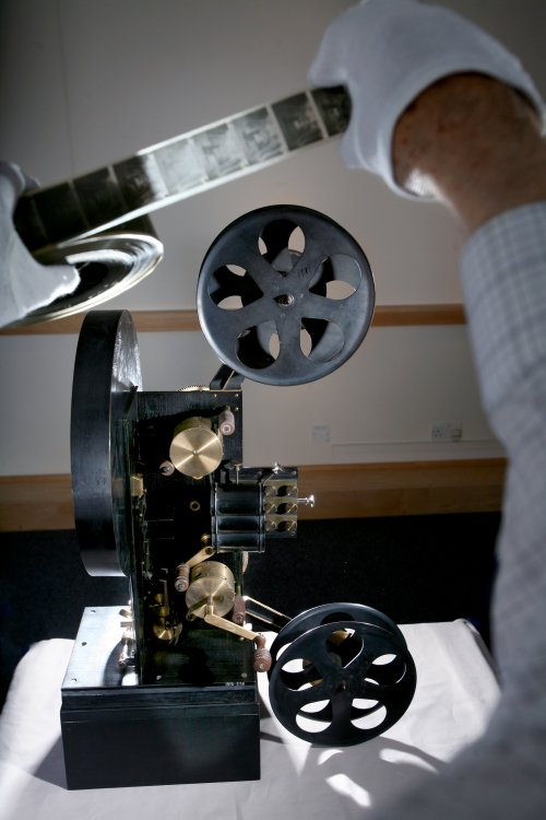 Lee and Turner projector