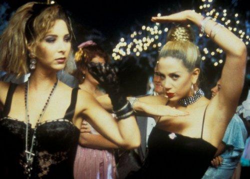 Romy & Michele's High School Reunion (1997)