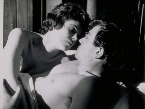 Rachel Roberts as Brenda with Albert Finney in Saturday Night and Sunday Morning (1960)