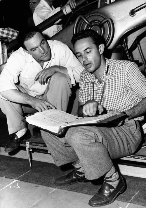 Stanley Donen (right) with Gene Kelly on the set of Singin' in the Rain (1952)