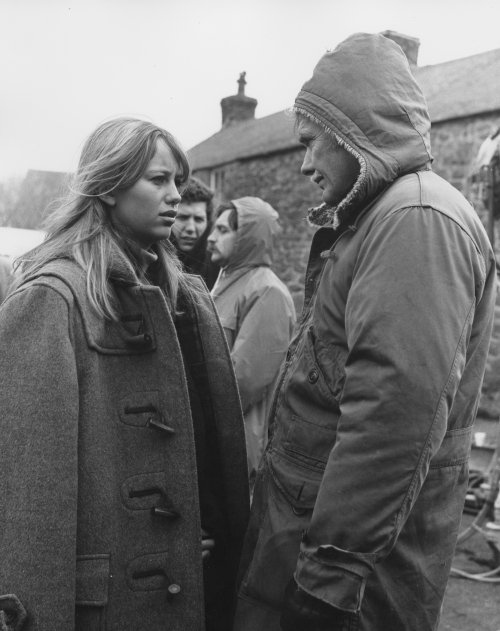 Susan George and Sam Peckinpah during production of Straw Dogs (1971)