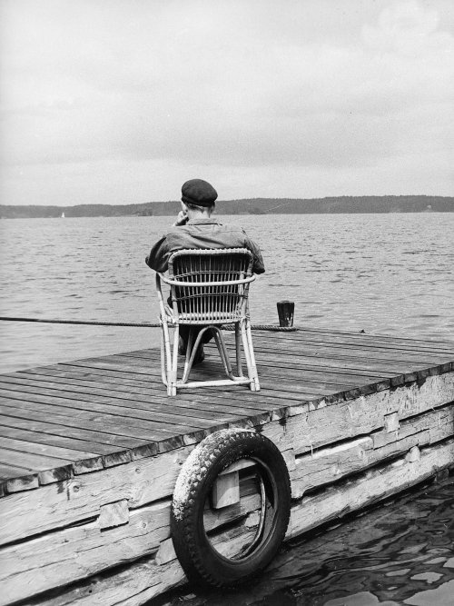 Ingmar Bergman on location for Wild Strawberries (1957)